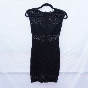 Dresses & Skirts - Lace Body Con Dress